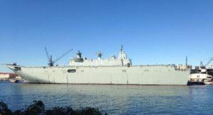 潜水艦ではないですが、シドニーで見れる空母