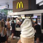 オーストラリアのマクドナルドで50セントのソフトクリームを食べてみた