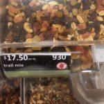 お土産にオーストラリアのナッツを安く買う方法。スーパーで量り売りマカダミアナッツの買い方。おすすめナッツも紹介。