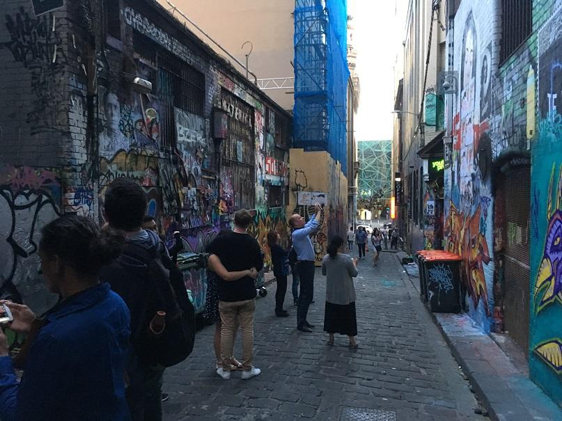 mel-street-art13